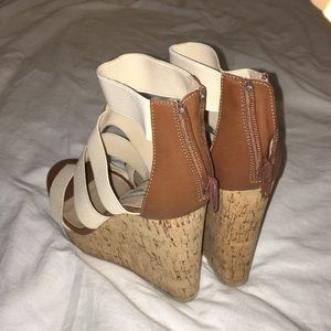 Steve Madden Shoes - Steve Madden wedge heels